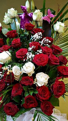 1 million+ Stunning Free Images to Use Anywhere Good Morning Beautiful Flowers, Beautiful Flowers Pictures, Beautiful Flowers Wallpapers, Beautiful Rose Flowers, Flower Pictures, Amazing Flowers, Red Flowers, Pink Roses Background, Large Flower Arrangements