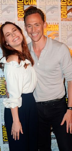 Brie Larson and Tom Hiddleston. San Diego Comic Con Warner Bros. Presentation Press Line - 23rd July. Full size image: http://tomhiddleston.us/gallery/albums/2016/events/230716ComicConPress/002.jpg Source: Tom Hiddleston US http://tomhiddleston.us/gallery/displayimage.php?album=782&pid=35992#top_display_media