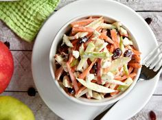 Recipe: Apple salad with carrots and feta cheese. Recette : Salade de pommes, carottes et fromage feta. Vegan Recepies, Raw Food Recipes, Cooking Recipes, Healthy Recipes, Healthy Food, Clean Eating, Apple Salad, Pasta, Batch Cooking