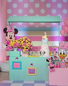 Decor linda da @lajolie_festas ️ #design #detalhes #diferente #ideia #encontrandoideias #inovando #jadesignpw #minnie #happy #doce #lojadaminnie #lembranca #lacosdaminnie #caixas #slz  #margarida #disney #festademenina #birthday #scrapbooking #scrapbook #tendencias #scrap #blogencontrandoideias #minnieparty