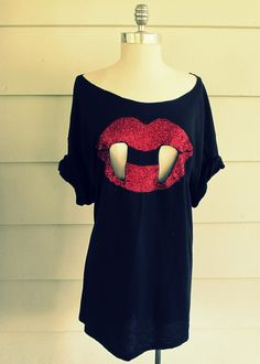 Wobisobi: Glitter,Vampire Tee-shirt,DIY  Thought of all my Twilight friends when I saw this
