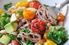 Soba Noodles with Roasted Tomatoes and Kale