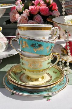 23 Tea Cups  - Porque nos encantan, son bellas e imprescindibles a la hora de sentirnos reinas