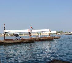 Dubaï : les barques en bois abra, activité pas chère