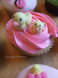 Flowery Girlie Baby Shower Cupcakes