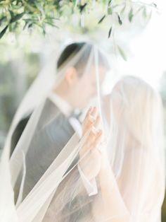 Ethereal romance: http://www.stylemepretty.com/2015/08/24/romantic-elegant-malibu-elopement/ | Photography: Honey Honey - http://www.hoooney.com/