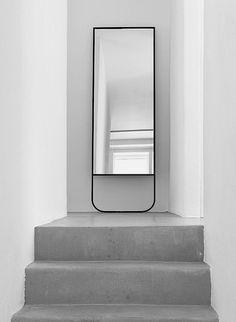 TATI mirror designed by Johan Ridderstråle and Mats Broberg for ASPLUND.