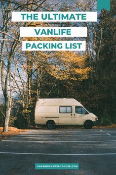 The ultimate list for what to pack for vanlife. Learn how to be a minimalist and the ideal items for your roadtrip. Rv Camping Tips, Van Camping, Camping Essentials, Family Camping, Camping Ideas, Road Trip Packing, Us Road Trip, Road Trip Hacks, Packing Tips