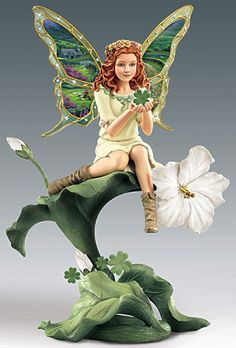 On Sale : Emerald Isle - Enchanted Wings Garden Fairy. A beauty presented like no other. From the Enchanted Wings Collection comes these outstanding handcrafted and hand- Fairy Statues, Fairy Figurines, Clay Fairies, Flower Fairies, Fairy Pictures, Butterfly Fairy, Arte Disney, Beautiful Fairies, Gif Animé