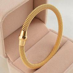 Gold Bracelet For Women, Bracelets For Men, Fashion Bracelets, Bangle Bracelets, Link Bracelets, Bangle Set, Fashion Jewelry, Bracelet Designs, Necklace Designs