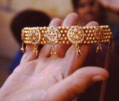 Addigai/Attiga/Nan Pathakam-pict0051.jpg Bangles, Bracelets, Upholstered Swivel Chairs, Lounge, Gold Jewelry, Outdoor, Charm Bracelets, Charm Bracelets, Gold Jewellery