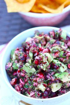 Cranberry Avocado Dip (Salsa) — The Diva Dish Avocado Recipes, Salad Recipes, Avocado Dip, Healthy Snacks, Healthy Eating, Healthy Recipes, Yummy Appetizers, Appetizer Recipes, Pesto