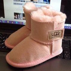 c8255b2d6a 7 Best UGG Boots 5899 Classic Short images