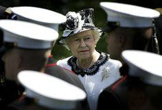 Queen Elizabeth II Photo - Entertainment Pictures Of The Week - 2007, May 10