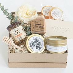 I spy some Oatmeal Milk & Honey in the Marigold & Grey pre-designed gift set 👌👍😄 Stylin Teachers Day Gifts, Boyfriend Gift Basket, Gift Baskets For Men, Sugar Scrub Diy, Diy Gift Box, Black Gift Boxes, Soap Packaging, Spa Gifts, Milk And Honey