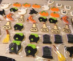 Halloween iced decorated sugar cookies www.facebook.com/bimpysbakery