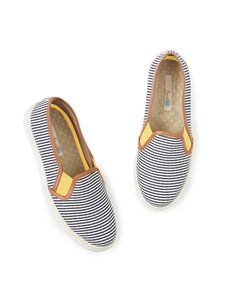 Discover Boden's wide range of high-quality footwear, from luxurious leather boots and flats to party shoes for every occasion. Slip On Trainers, Slip On Sneakers, Cruise Outfits, Cruise Clothes, Summer Clothes, Zapatos Slip On, Leopard Slip On, Baskets, Nautical Looks