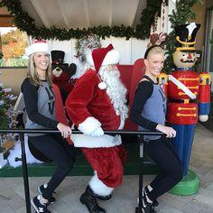 #santa uses @barmethodmarin @bonaircenter to get in shape for his #saturdayswithsanta appearance 12/17, noon -4pm. #free #family and #pet pictures with the big man, courtesy @cvs/pharmacy. #music,#magic #sales and lots of #holidayspirit ! #marin #marininstagram #bonaircenter #thebarmethod #shopping #christmas #cheer #exploremarin #fun