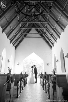 Are you considering having a romantic getaway wedding in South Africa? Here is what you need to know about planning a destination wedding in SA. Church Wedding, Wedding Book, Wedding Tips, Destination Wedding, Wedding Venues, Single Dating, Romantic Getaway, Perfect Wedding, South Africa