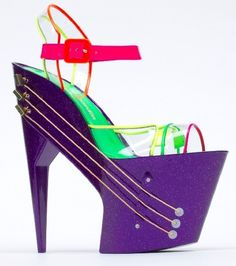guitar-shoes- a combo of two of my favorite things! Happy Day! Crazy high heels and guitars!