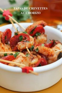 Shrimp tapas with chorizo - Apéro_Amuse-gueule - Raw Food Recipes Raw Food Recipes, Appetizer Recipes, Appetizers, Healthy Recipes, Tapas Bar, Tapas Buffet, Meat Platter, Summer Snacks, Recipes