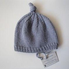 Cappellino neonato grigio in lana merino