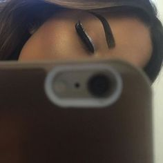 Black and silver eyeliner Makeup Is Life, Makeup Goals, Beauty Makeup, Eye Makeup, Hair Makeup, Silver Eyeliner, Pretty Makeup Looks, Simple Eyeliner, Flawless Makeup