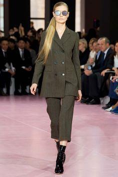 Christian Dior Fall 2015 Ready-to-Wear Fashion Show