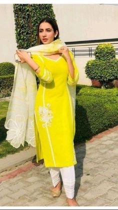 Indian Fashion Salwar, Indian Fashion Dresses, Indian Designer Outfits, Ethnic Fashion, Bollywood Fashion, Indian Outfits, Designer Dresses, Stylish Dress Designs, Designs For Dresses