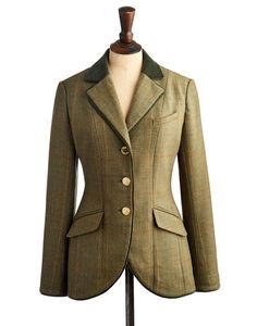 Joules Womens Tweed Jacket, Mrtoad.                     Elegant and versatile, this hacking jacket is inspired by country sports and will make sure you remain in a field of your own when it comes to British heritage style. Immaculately tailored, crafted with only-at-Joules tweed and finished with velvet piping and trims.