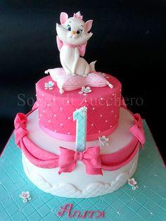 Marie Aristocats First Birthday Cake Baby Cakes, Girl Cakes, Pretty Cakes, Cute Cakes, Fondant Cakes, Cupcake Cakes, Disney Cakes, First Birthday Cakes, Girl Birthday