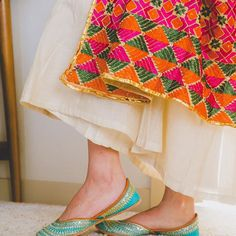 Have you been taking a look at indian dress shoes Discover more about :- Pakistani Fashion Casual, Indian Fashion, Indian Dresses, Indian Outfits, Indian Shoes, Indian Designer Outfits, Stylish Girl Pic, Indian Wear, Trendy Outfits
