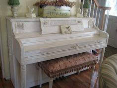 Shabby Chic Painted Piano..I need to do this to mine