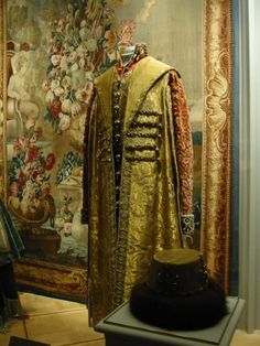 Winter Palace Ball 1903 | The costume of Nicholas II on display in the Kremlin, Moscow | 1903 ...