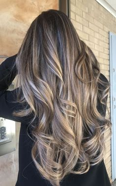 If you are looking for some spring hair color ideas for brunettes balayage, you can have a look at the collection we have got for you over here. Grey Balayage, Balayage Brunette, Hair Color Balayage, Guy Tang Balayage, Bayalage, Dark Brown To Blonde Balayage, Babylights Blonde, Bronde Hair, Brown Ombre Hair