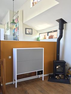TV cabinet for a 47 inch screen