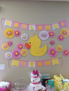 Girl duck theme baby shower Rubber Ducky Party, Rubber Ducky Birthday, Rubber Ducky Baby Shower, Baby Shower Duck, Baby Girl Shower Themes, Girl Baby Shower Decorations, Baby Girl Birthday Theme, Ducky Baby Showers, Ducks