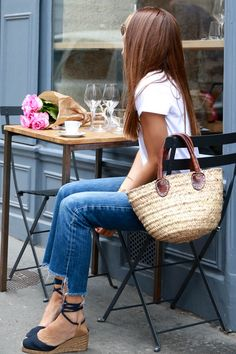 bartabac paris cafe, summer look, espadrilles, beach tote