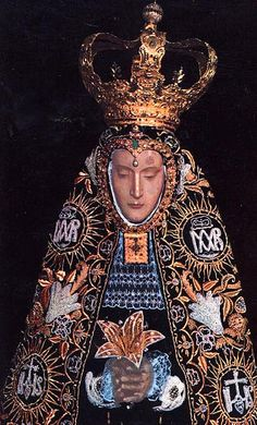 On December when the group reached Oaxaca, the mule fell down outside the church of St. Religious Images, Religious Icons, Religious Art, Blessed Mother Mary, Blessed Virgin Mary, Georg Gänswein, Queen Of Heaven, Mama Mary, Sainte Marie