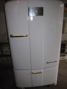 Antique Refrigerator...just like my great grandmother's   Nostalgia ...