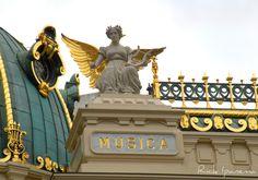https://flic.kr/p/9iqG8K | Theatro Municipal do Rio de Janeiro - Musica | o Theatro Municipal é a principal casa de espetáculos do Brasil e uma das mais importantes da América do Sul. Desde a sua inauguração, em 14 de julho de 1909, o Theatro tem recebido os maiores artistas internacionais, assim como os principais nomes brasileiros, da dança, música e da ópera.  Inicialmente, o Theatro foi apenas uma casa de espetáculos, que recebia principalmente companhias estrangeiras, na maioria…
