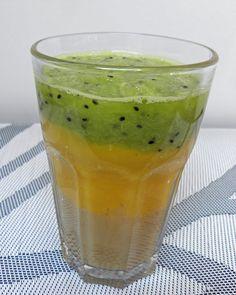 Zielone koktajle: banan + mango + kiwi