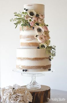 Searching for a luxury wedding cake? This Luxury wedding cake by The Pastry Studio.The Pastry Studio offers a boutique for custom cakes and awesome cupcakes and top layer and more. Wedding Cake Fresh Flowers, Summer Wedding Cakes, Luxury Wedding Cake, Floral Wedding Cakes, Wedding Cake Rustic, Elegant Wedding Cakes, Wedding Cake Designs, Lace Wedding, Trendy Wedding