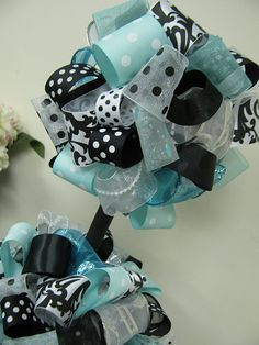 Banana Lala: {Bridal Shower} Tiffany Blue, Black and White Azul Tiffany, Tiffany Blue, Everyday Centerpiece, Bridal Makeup For Brunettes, Bridal Shower Centerpieces, Table Centerpieces, Kate Spade Bridal, Cute Wedding Ideas, Wedding Stuff