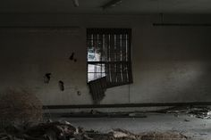 Tumbleweed in Garage, Chandler 2011 #abandoned