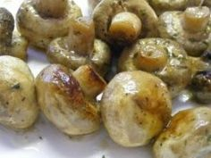 Crock Pot RANCH MUSHROOMS: 1 pound fresh Mushrooms, cup Butter, 1 envelope Ranch (or Italian) Dressing Mix. Cook in crock pot on low hours. Slow Cooker Recipes, Crockpot Recipes, Cooking Recipes, Think Food, I Love Food, Butter Mushroom, Great Recipes, Favorite Recipes, Antipasto