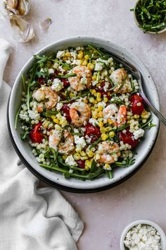 This couscous with roasted corn, tomatoes, and shrimp is such an easy and delicious recipe. It's flavoured with ingredients like feta, lemon, and fresh basil. You can enjoy it as a hot weeknight dinner, as a cold packed lunch, or even bring it with you to serve at a BBQ, picnic, or potluck party! Couscous Salad Recipes, Arugula Recipes, Summer Salad Recipes, Healthy Salad Recipes, Summer Salads, Roasted Vegetable Pasta, Roasted Corn, Roasted Vegetables, Couscous How To Cook