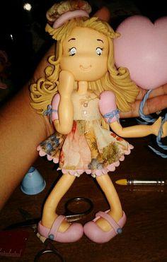 Boneca em biscuit  Mimos da Mamãe (Whats) 98 81295364 (Oi) 98 988389592 www.instagram.com/mimosdmamae Facebook.com/mimosdamamae  Facebook.com/janegraziela  www.janegraziela.blogspot.com www.mimosdamamae.com  http://www.elo7.com.br/mimosdamamae