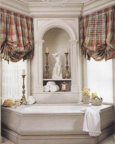 Beautiful bath tub and gorgeous window treatments Betty Lou Phillips, Better Homes & Gardens Country French Decorating Spring Summer 2006 French Decor, French Country Decorating, Custom Window Treatments, French Country Style, Beautiful Bathrooms, Home Interior, Room Inspiration, Decoration, New Homes