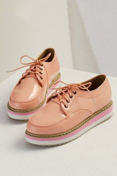 Casual Glossy Round Toe Lace-up Creepers